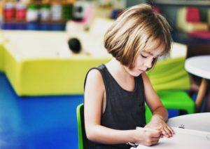 Różnice płci: Dziewczynki, matematyka i stereotypy płci. Jak to działa?