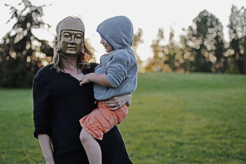 Rodzicielstwo w czasie pandemii. Sposoby na przetrwanie