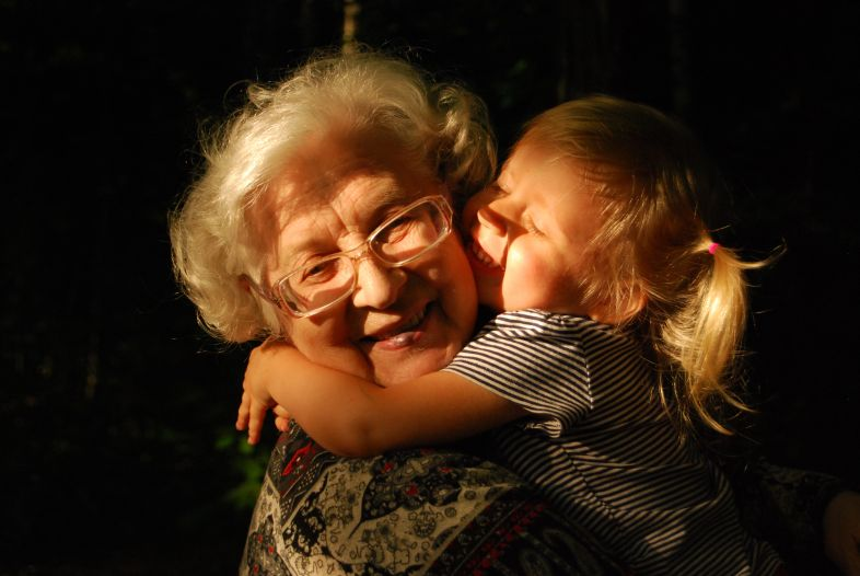 Babcia nie równa się opiekunka. Pozwólmy się babciom buntować