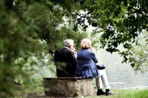 6 sposobów na kwestionowanie stereotypów płci w wychowaniu. Przewodnik dla babć i dziadków