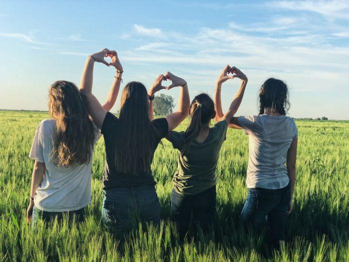 Jak świętować Dzień Kobiet z dziewczynkami? 5 pomysłów dla rodziców
