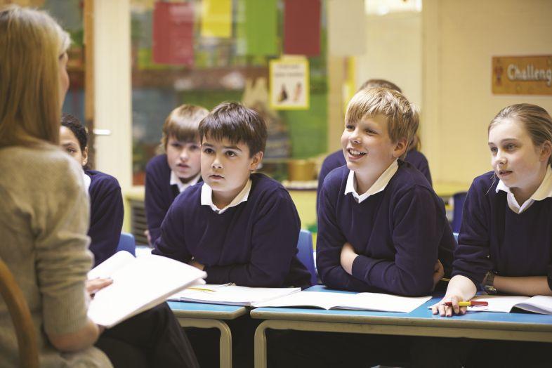 You are currently viewing Jak ograniczać stereotypy płci w szkole? Poradnik dla nauczycielek i nauczycieli