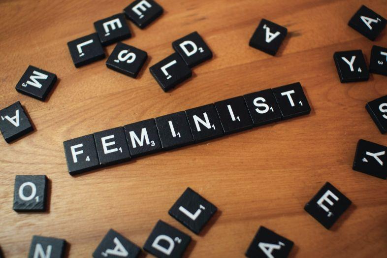 You are currently viewing Dlaczego potrzebujemy feministycznego rodzicielstwa?